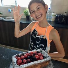 Mia's Raspberry & Blueberry Sponge Cake Surprise
