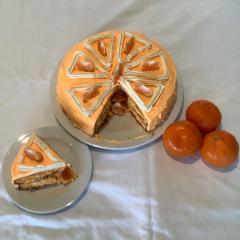 Fruity cake surprise