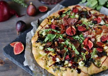Prosciutto, Fig and Gorgonzola Pizza